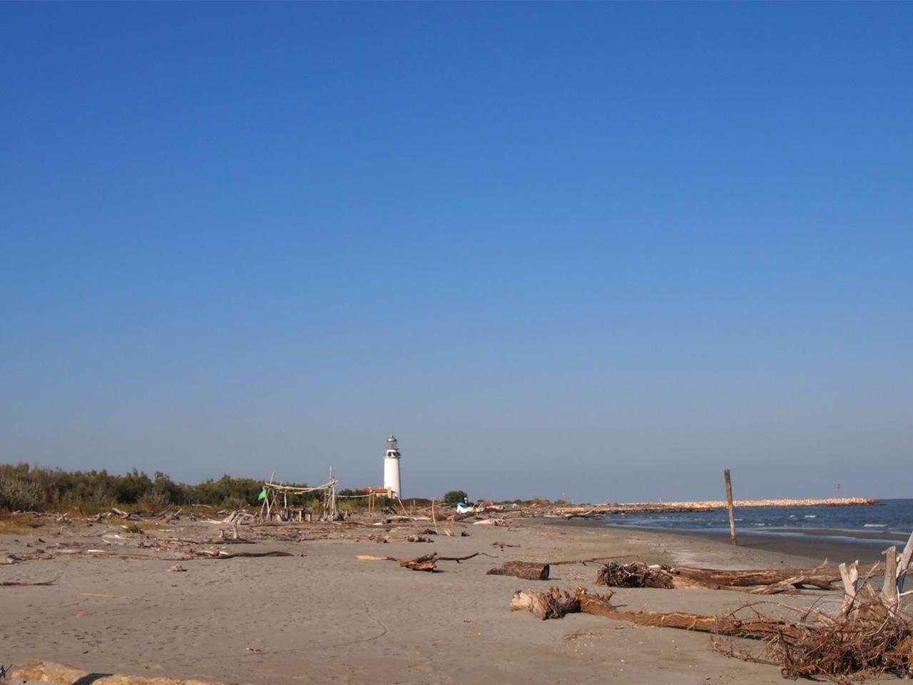 Isola dell'amore Faro di Goro