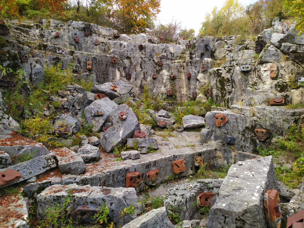 cava abitata cave di rubbio