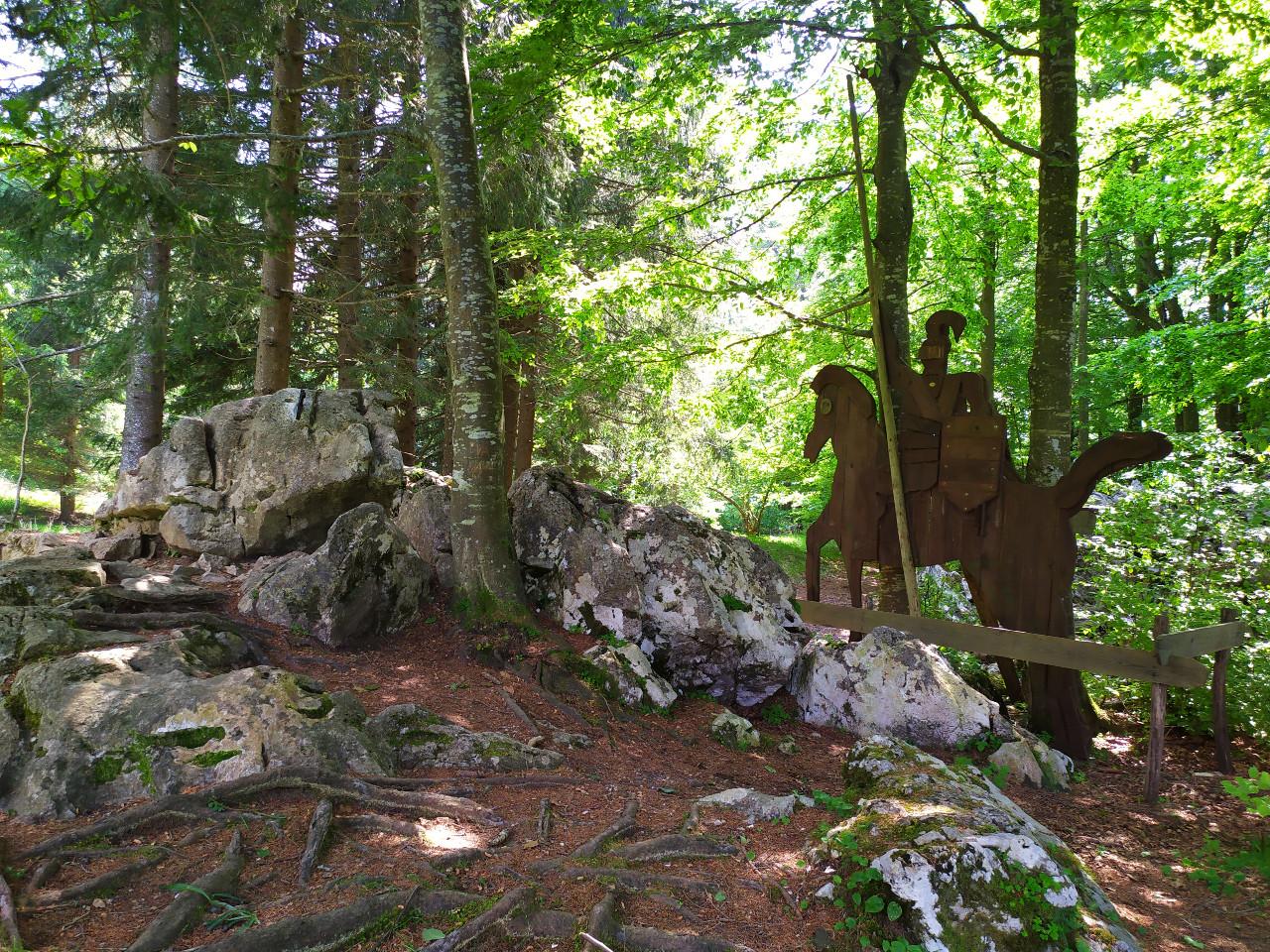 sentiero excalibur tonezza del cimone