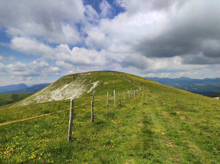 escursione monte fior in viaggio per natura