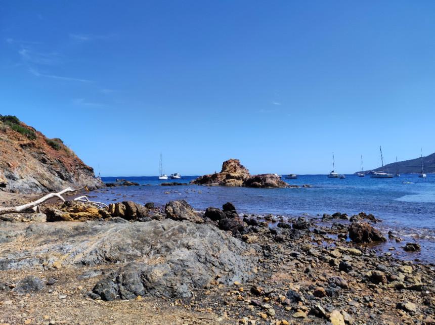 spiaggia e lago di terranera